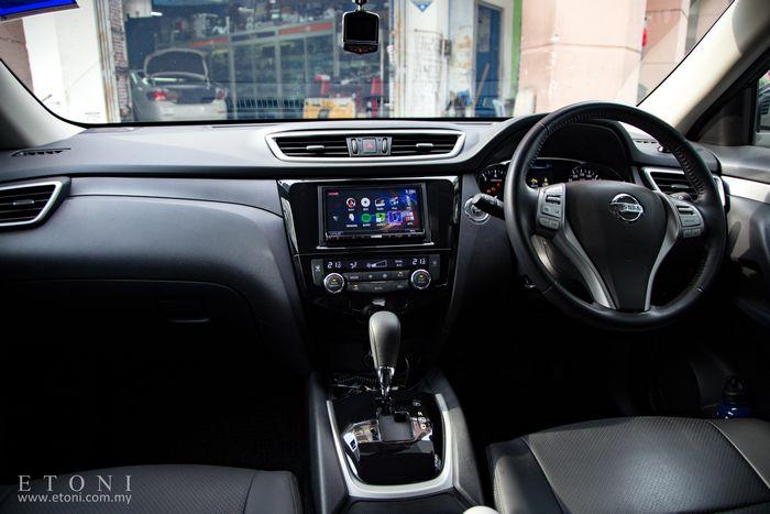 Nissan X-Trail T-32 head unit upgrade - Car Player